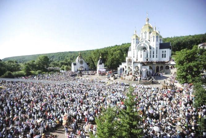 У прощі в Зарваниці візьмуть участь понад 100 тисяч паломників з України та з-за кордону