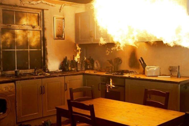 У Тернополі в квартирі чотириповерхівки загорілася кухня