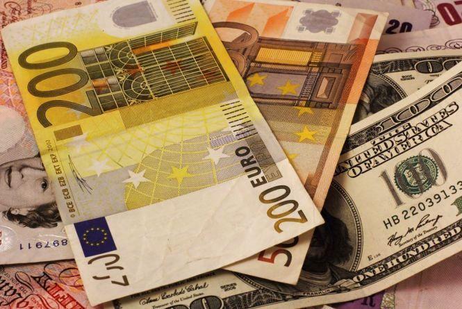 Курс валют на 17 червня: євро йде у наступ