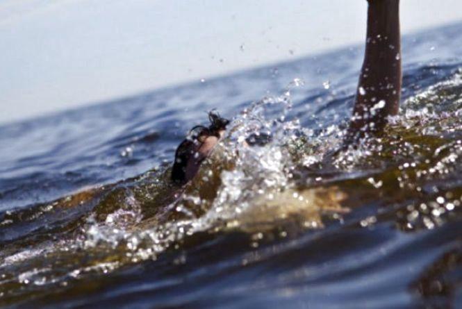 Знайшли тіло молодого чоловіка, який потонув вчора на водоймі «Королівський міст» (оновлено)