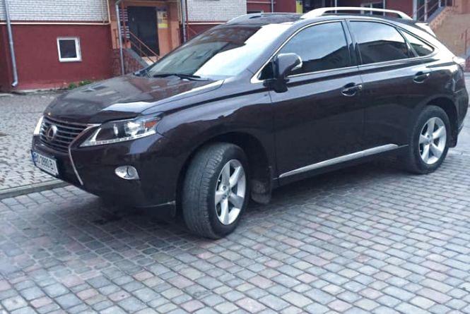 На Тернопільщині викрали Lexus. Власники просять допомогти знайти авто