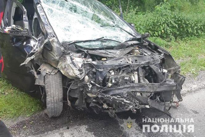 Смертельна ДТП на Тернопільщині:  іноземець на BMW розбився під час обгону