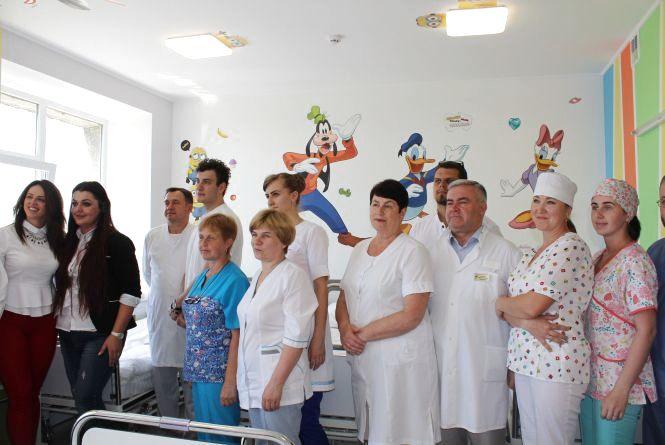 У дитячій обласній лікарні відкрили палату,  на ремонт якої волонтери зібрали близько 260 тисяч грн