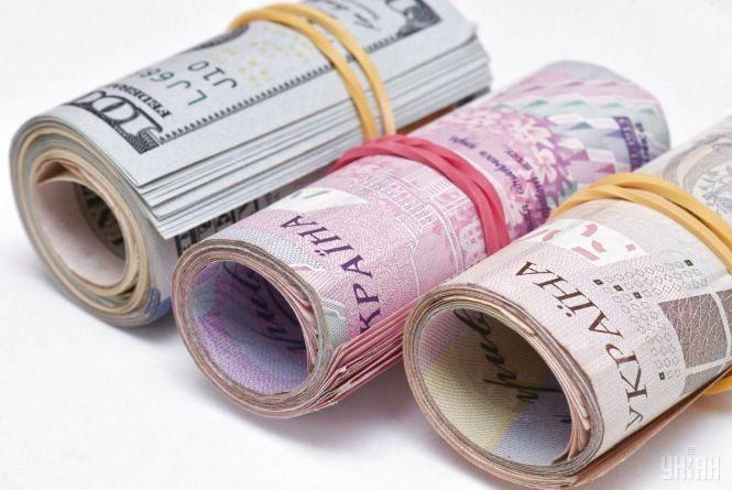 Курс валют на 10 липня: долар подешевшав ще на 12 копійок