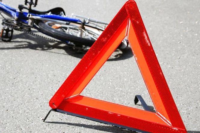 У Бучацькому районі автомобіль збив 7-річного велосипедиста