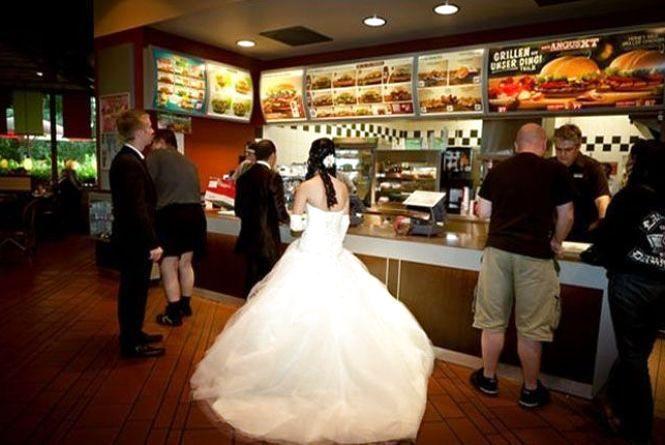 Весілля святкували у МакДональдс. Тернополянка про своє життя у Норвегії