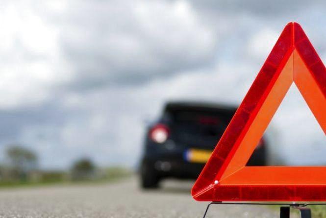 Аварія на Збаражчині: не розминулася легківка та вантажний автомобіль
