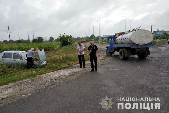 Аварія на Тернопільщині: після зіткнення з молоковозом жінка і 15-річний хлопець у лікарні