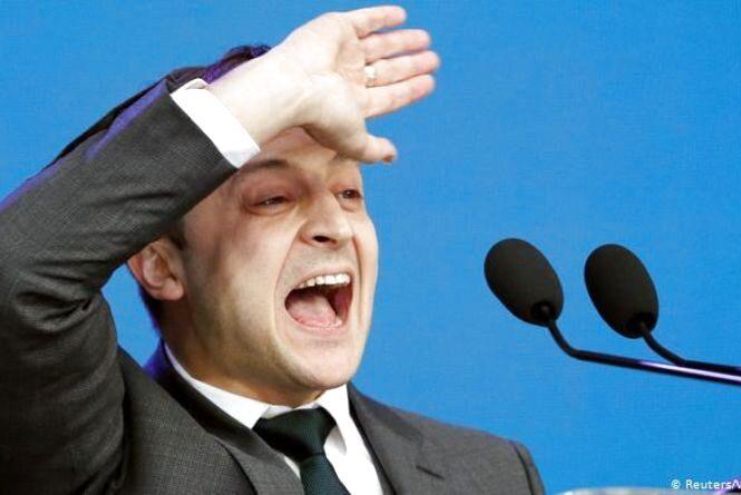 Петицію про свою відставку, яка набрала понад 60 тис голосів, Зеленський назвав тролінговою