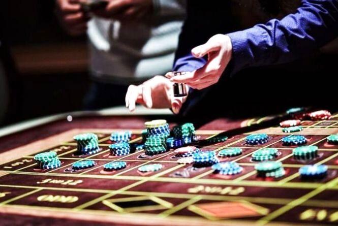 Як вам: Володимир Зеленський хоче легалізувати азартні ігри в Україні