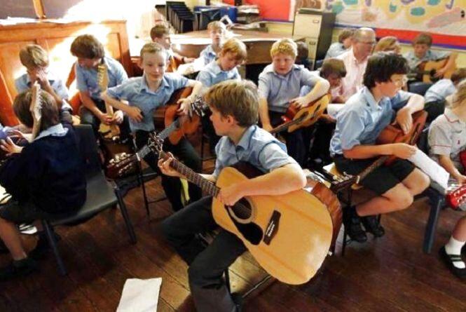 У художній та музичних школах Тернополя з вересня збільшать батьківську плату