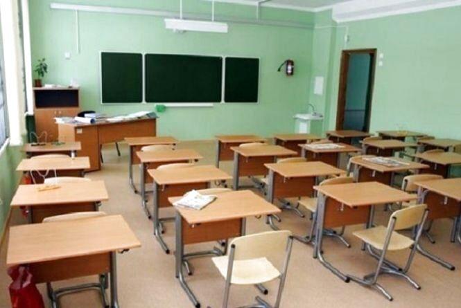 Хворих на кір дітей у Тернополі уже менше. Але без щеплень до шкіл та садочків усе одно не прийматимуть