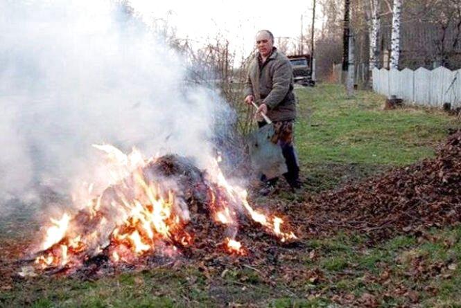 Ядуча суміш паленого сміття і гуми накрила Тернопіль – соцмережі