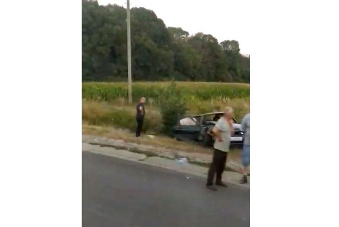 У Підгородньому ДТП: авто вилетіло з дороги