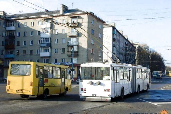 Верховний Суд визнав тарифи на проїзд у Тернополі незаконними. У міськраді кажуть, що це не вплине на ціну