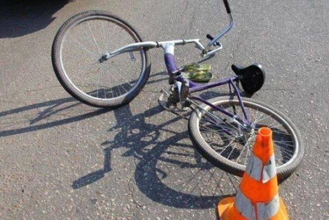 В ДТП на Гусятинщині 11-річна велосипедистка зіткнулася зі скутером