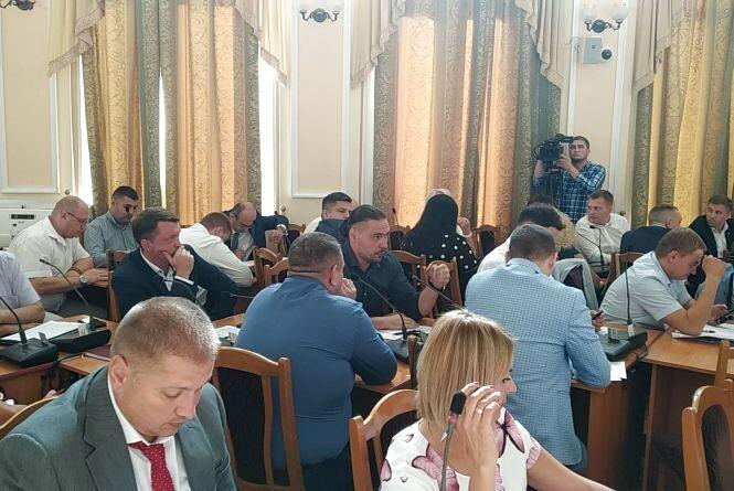 Де та за скільки цього літа відпочивали депутати Тернопільської міської ради (опитування)