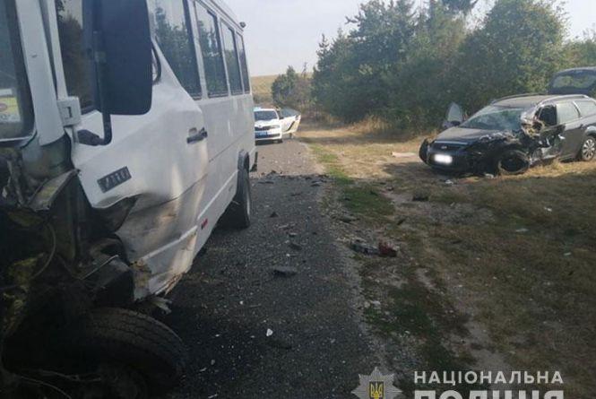 В аварії біля Зарваниці найбільше постраждав 21-річний пасажир легківки