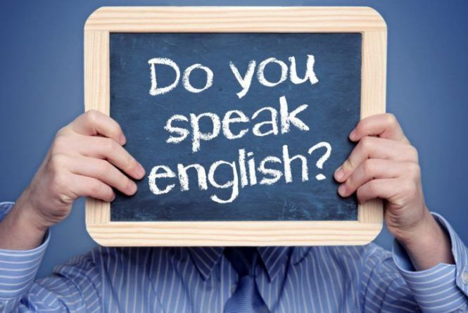 У Тернополі знову працюють клуби вивчення іноземних мов для молоді: не проґавте початку занять