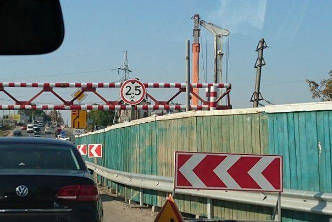 На Гаївському мості затори через ремонтні роботи