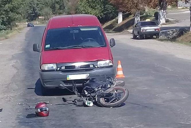 ДТП на Бучаччині: 17-річний хлопець потрапив у аварію того ж дня, коли купив мопед