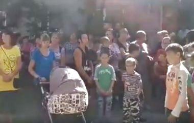 Отруєння на Борщівщині: літак пролітав і над житловими будинками