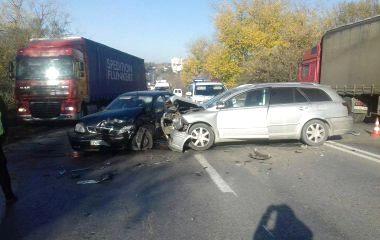 На Будного аварія з потерпілими: дві автівки розтрощені. На Об'їзній затори