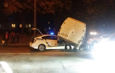 На 15 Квітня аварія за участю поліцейського авто (оновлено)