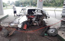 У Тернополі на заправці через вибух газового балону розірвало півтаксі