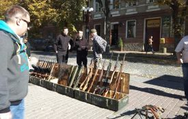 Тернополянам показали справжні «Максими», гвинтівки і автомати