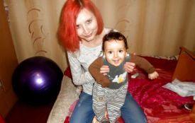 Врятуйте життя молодій мамі, яка сама виховує півторарічного сина
