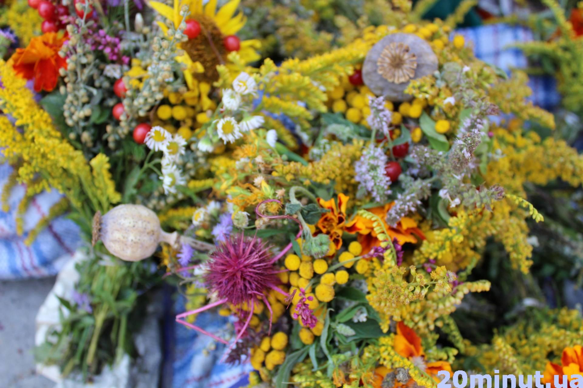 Доставки цветов, букет маковея купить