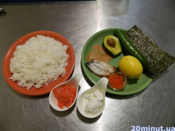 Підготувати продукти, зварити у рисоварці рис, заправити рисовим оцтом