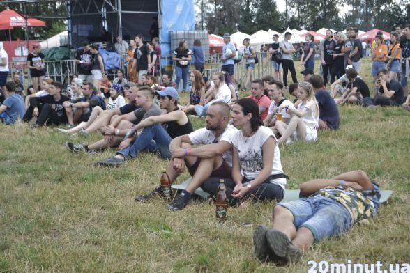 На Light stage файні люди насолоджувались легкою музикою у ненав'язливій атмосфері